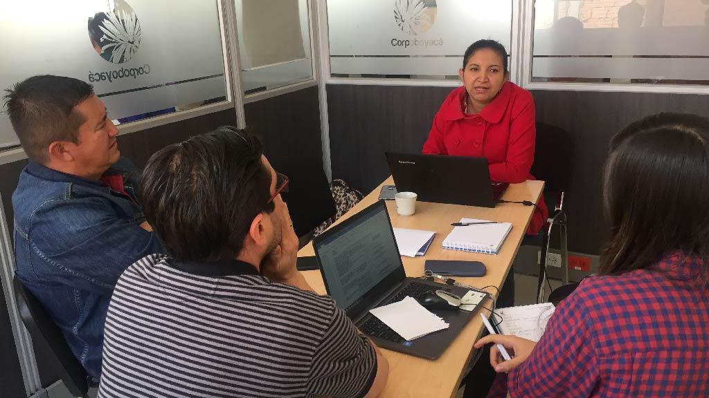 Foto Mesa de trabajo alcaldía de Sáchica