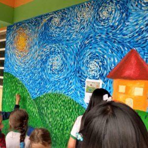 Foto Los niños siguen Coloreando Escuelas con su creatividad e ingenio
