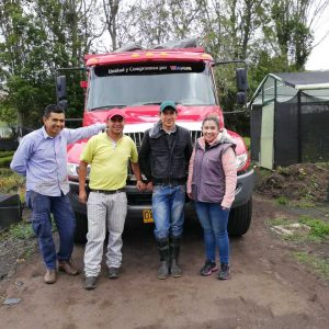 Entrega material vegetal a usuarios municipio de Tibasosa