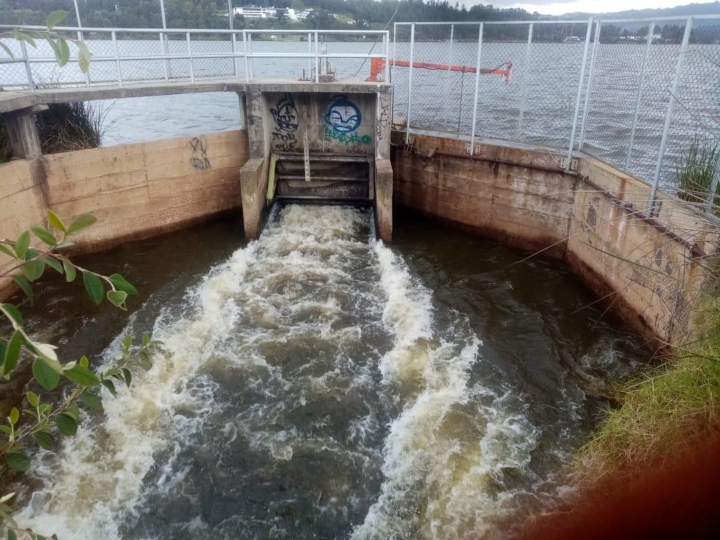 Foto Se abren compuertas del Lago Sochagota y Embalse de la Copa